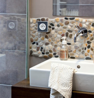 Bezpieczna i komfortowa łazienka – chwila na odpoczynek